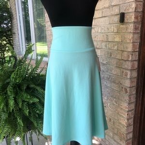 Medium LuLaRoe Azure Skirt NWT
